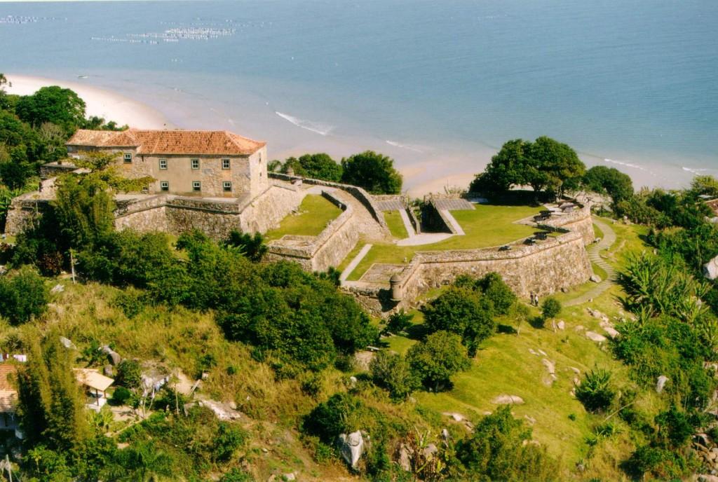 O melhor de Florianópolis passa pelas areias de Jurerê.